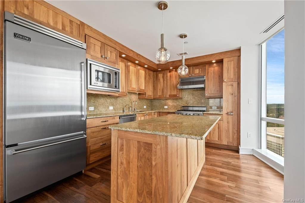 12. Single Family Home для того Продажа на 5 Renaissance Square White Plains, Нью-Йорк, 10601 Соединенные Штаты