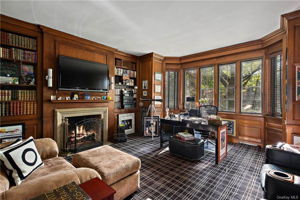 13. Single Family Home for Sale at 35 Durham Road Bronxville, New York, 10708 United States