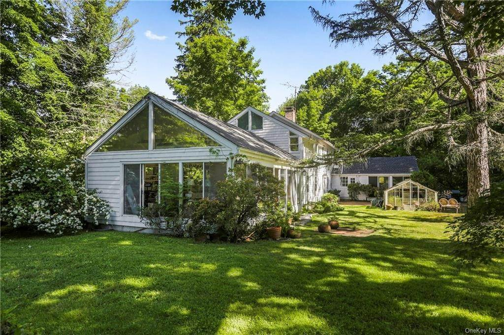 13. Single Family Home for Sale at 14 Lockwood Road South Salem, New York, 10590 United States