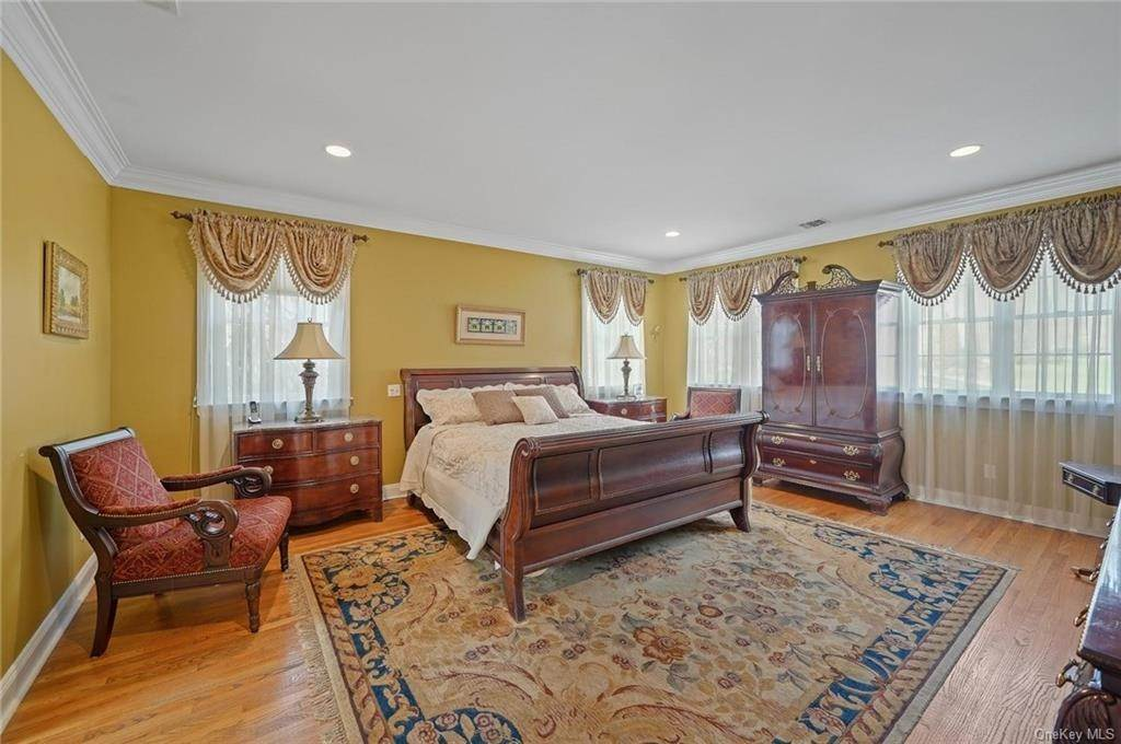 14. Single Family Home for Sale at 1115 Gambelli Drive Yorktown Heights, New York, 10598 United States