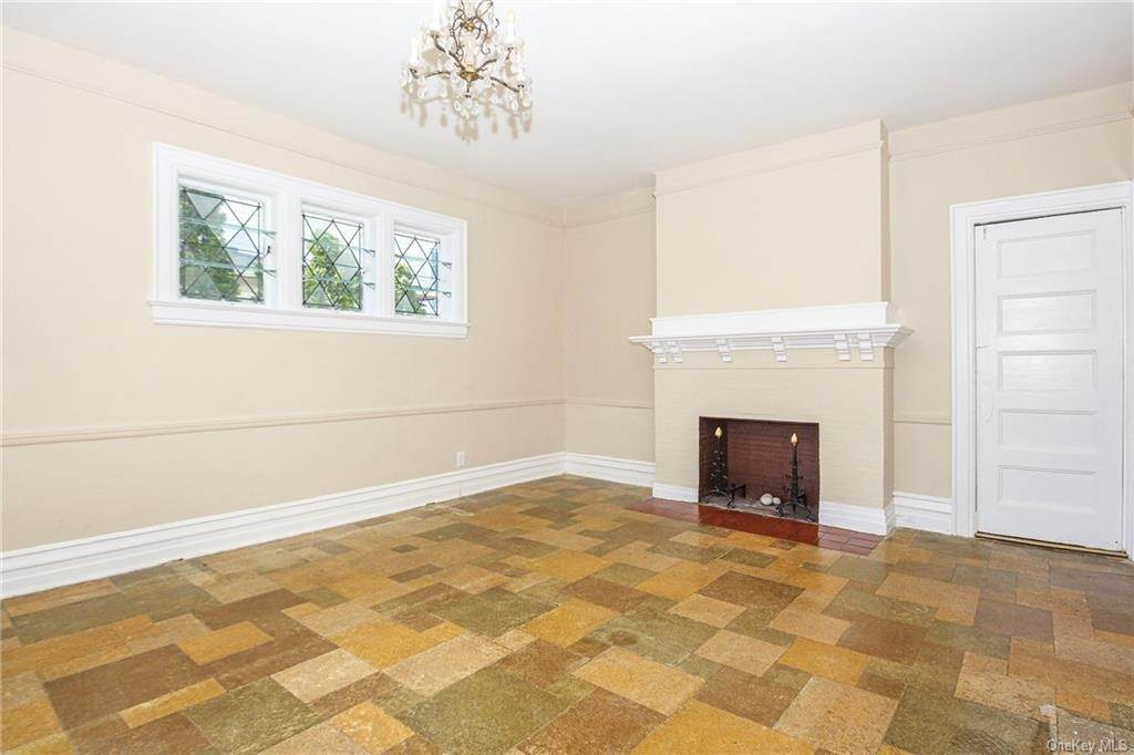 14. Single Family Home for Sale at 22 Hamilton Avenue New Rochelle, New York, 10801 United States