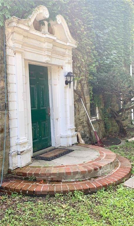 14. Single Family Home for Sale at 116 Hawkes Avenue Ossining, New York, 10562 United States