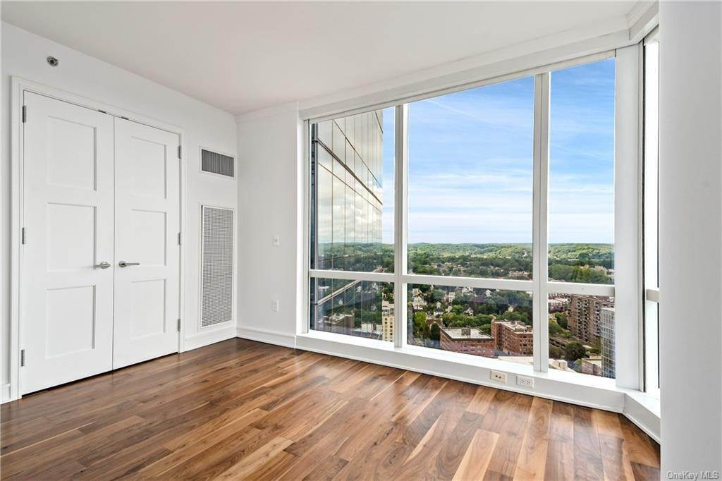 14. Single Family Home для того Продажа на 5 Renaissance Square White Plains, Нью-Йорк, 10601 Соединенные Штаты
