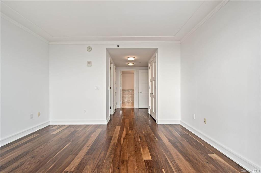 18. Single Family Home для того Продажа на 5 Renaissance Square White Plains, Нью-Йорк, 10601 Соединенные Штаты