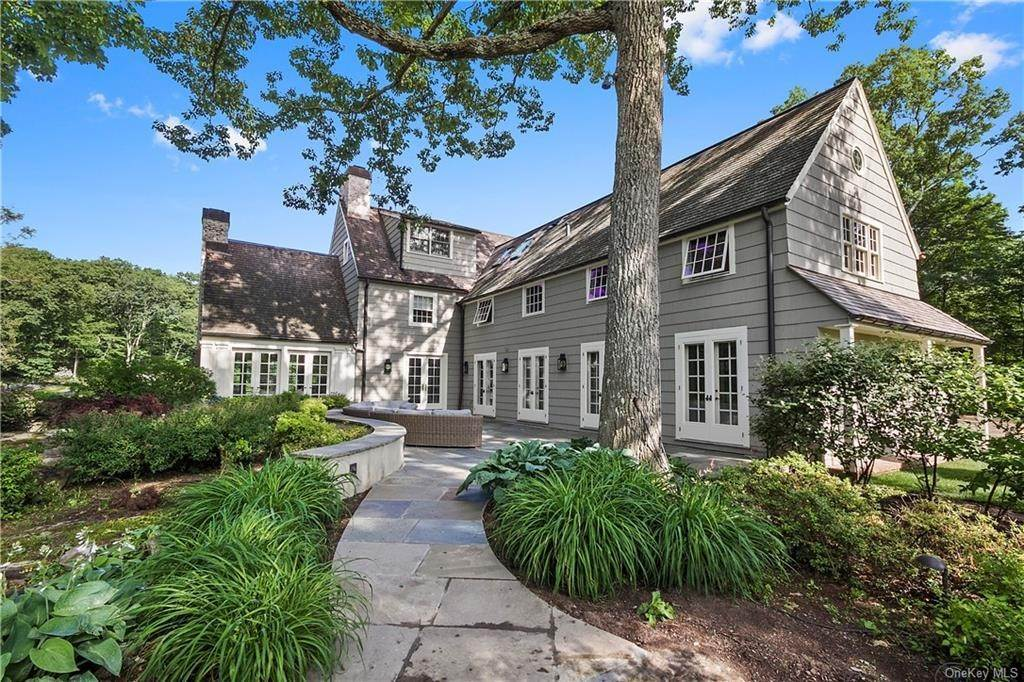 19. Single Family Home for Sale at 10 Frog Rock Road Armonk, New York, 10504 United States