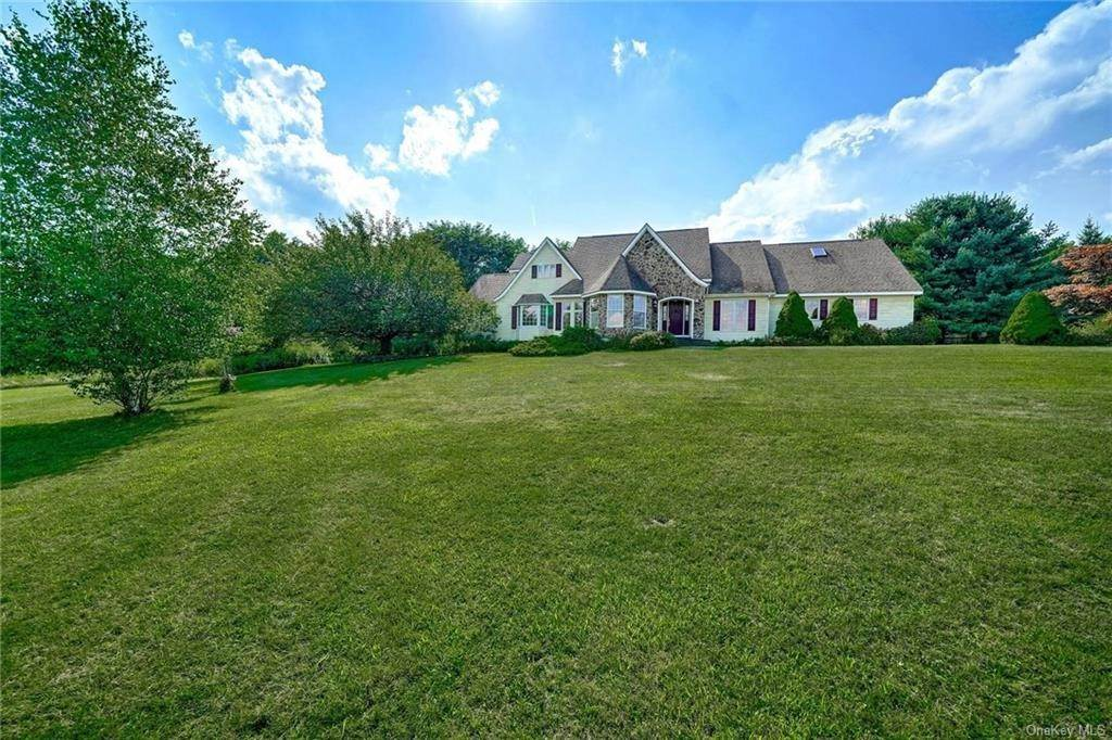 2. Single Family Home for Sale at 3 Lake View Drive Goshen, New York, 10924 United States