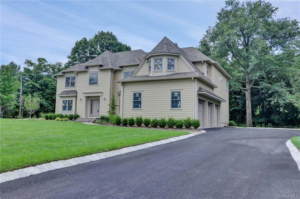 2. Single Family Home for Sale at 13 Stone Meadow Lane Airmont, New York, 10901 United States