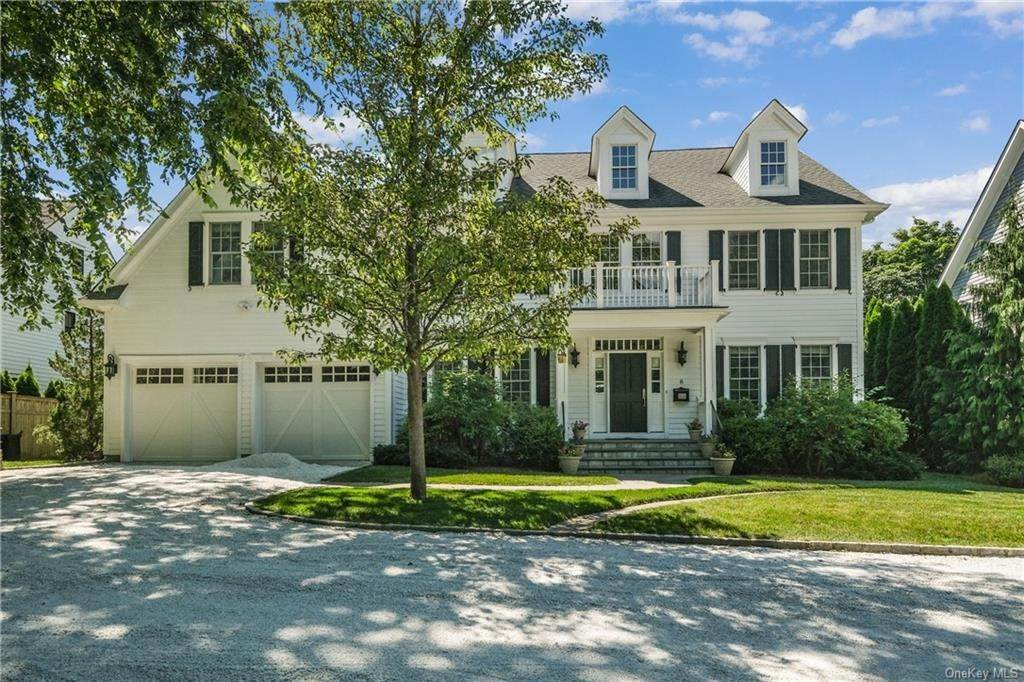 2. Single Family Home for Sale at 8 Roosevelt Place Scarsdale, New York, 10583 United States