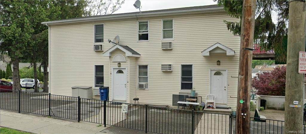 21. Single Family Home for Sale at 20 Aqueduct Avenue Yonkers, New York, 10704 United States