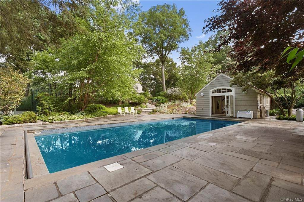 22. Single Family Home for Sale at 10 Frog Rock Road Armonk, New York, 10504 United States