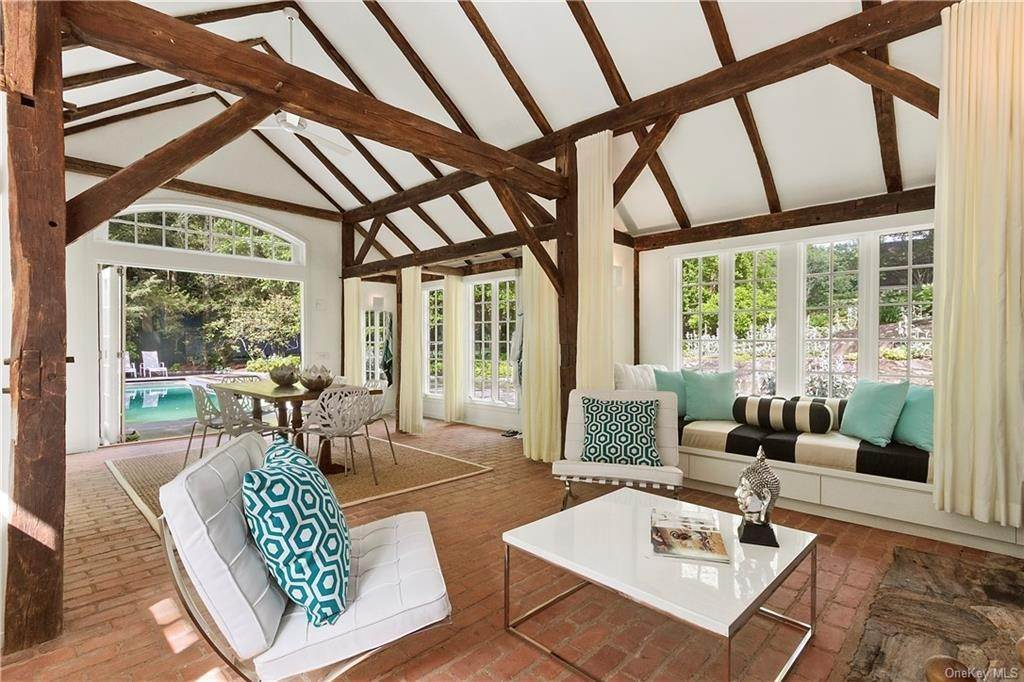 24. Single Family Home for Sale at 10 Frog Rock Road Armonk, New York, 10504 United States