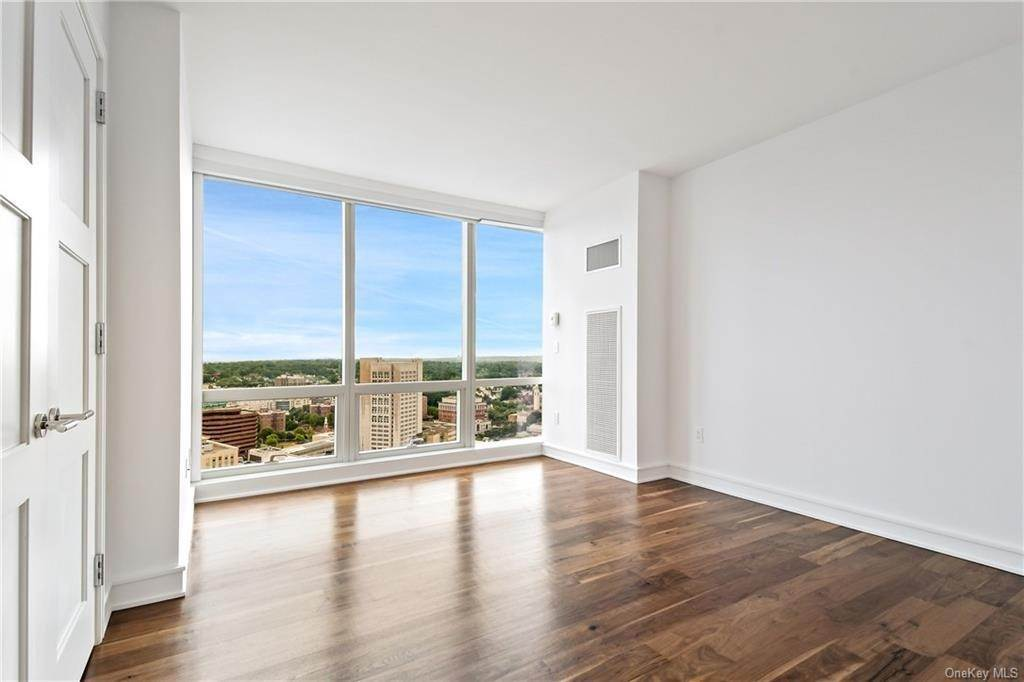 25. Single Family Home для того Продажа на 5 Renaissance Square White Plains, Нью-Йорк, 10601 Соединенные Штаты