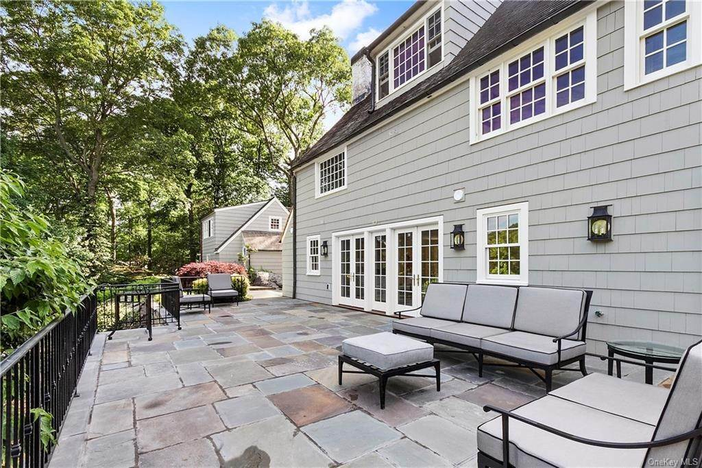 27. Single Family Home for Sale at 10 Frog Rock Road Armonk, New York, 10504 United States