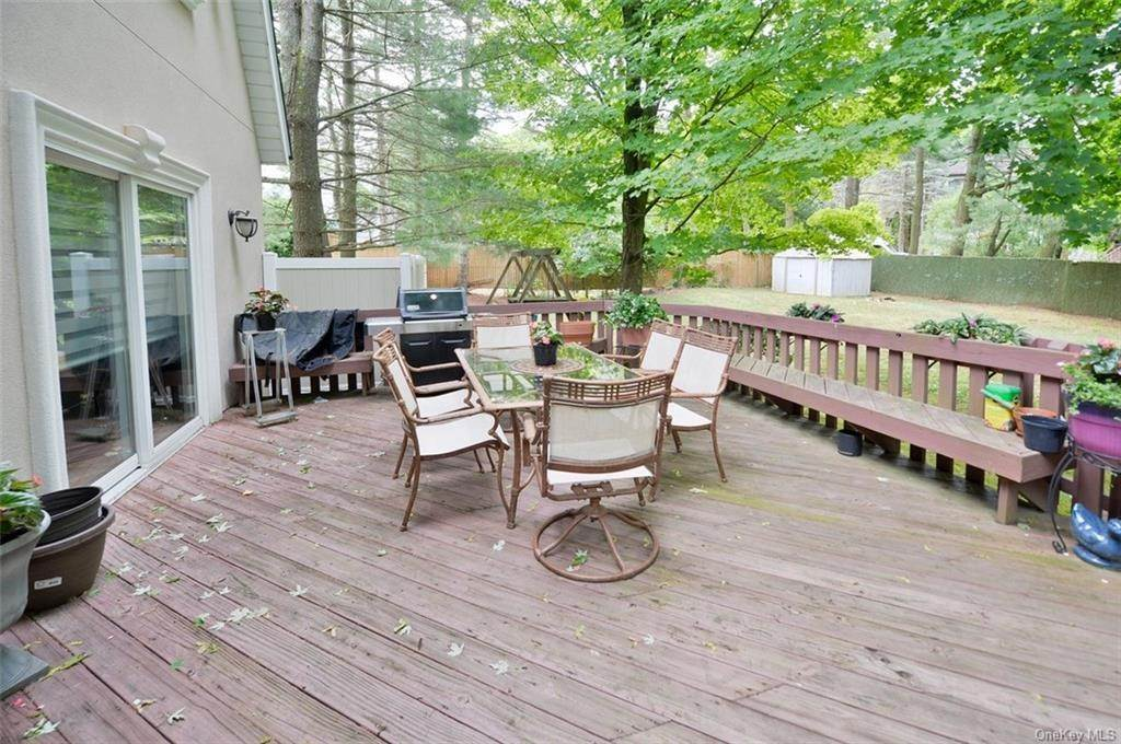 28. Single Family Home for Sale at 3 Lodi Lane Monsey, New York, 10952 United States