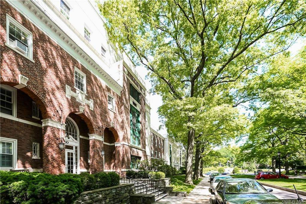 29. Single Family Home for Sale at 10 Brooklands Bronxville, New York, 10708 United States