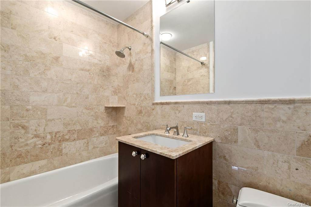 29. Single Family Home для того Продажа на 5 Renaissance Square White Plains, Нью-Йорк, 10601 Соединенные Штаты