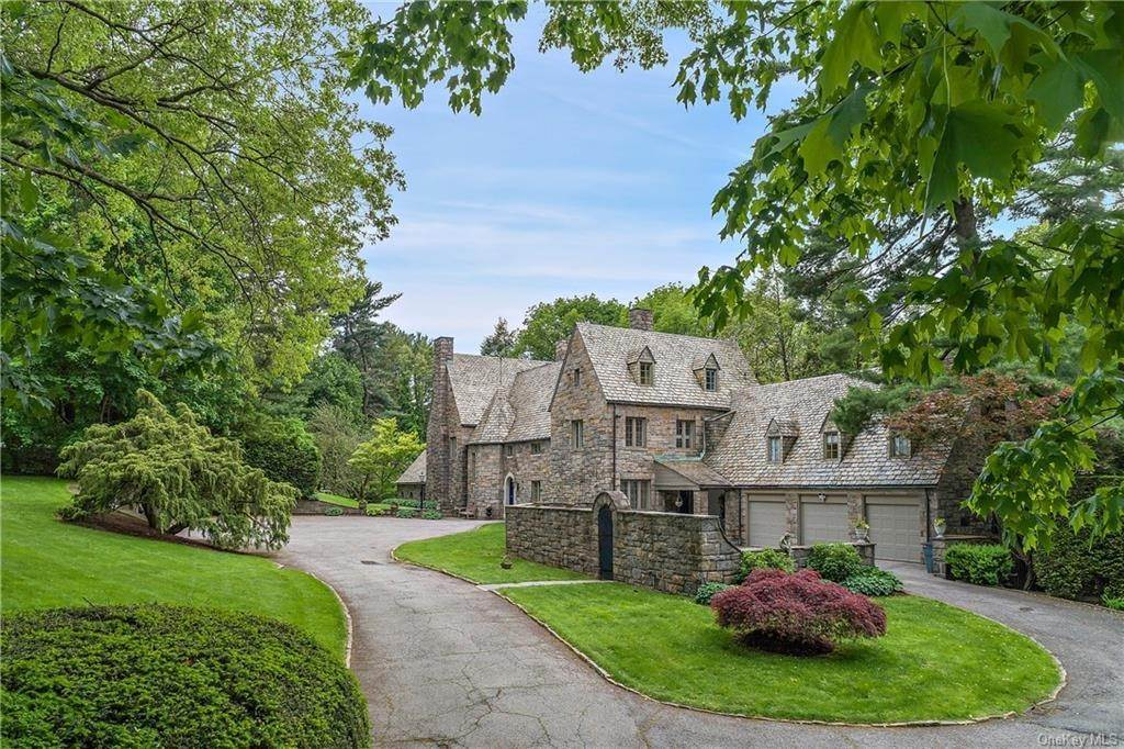 3. Single Family Home for Sale at 35 Durham Road Bronxville, New York, 10708 United States