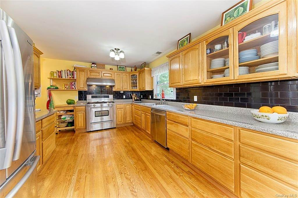 3. Single Family Home for Sale at 1 Mayfair Road Elmsford, New York, 10523 United States