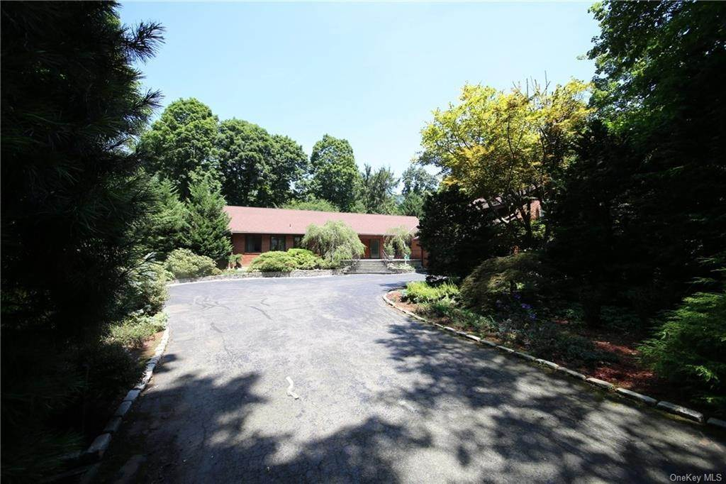 3. Single Family Home for Sale at 2 Ironwood Lane Rye, New York, 10580 United States