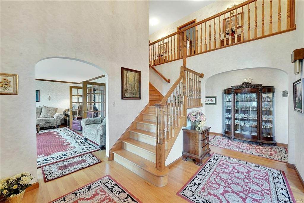 3. Single Family Home for Sale at 3 Lake View Drive Goshen, New York, 10924 United States