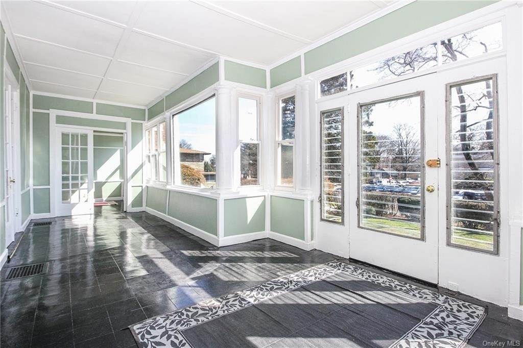 3. Single Family Home for Sale at 22 Hamilton Avenue New Rochelle, New York, 10801 United States