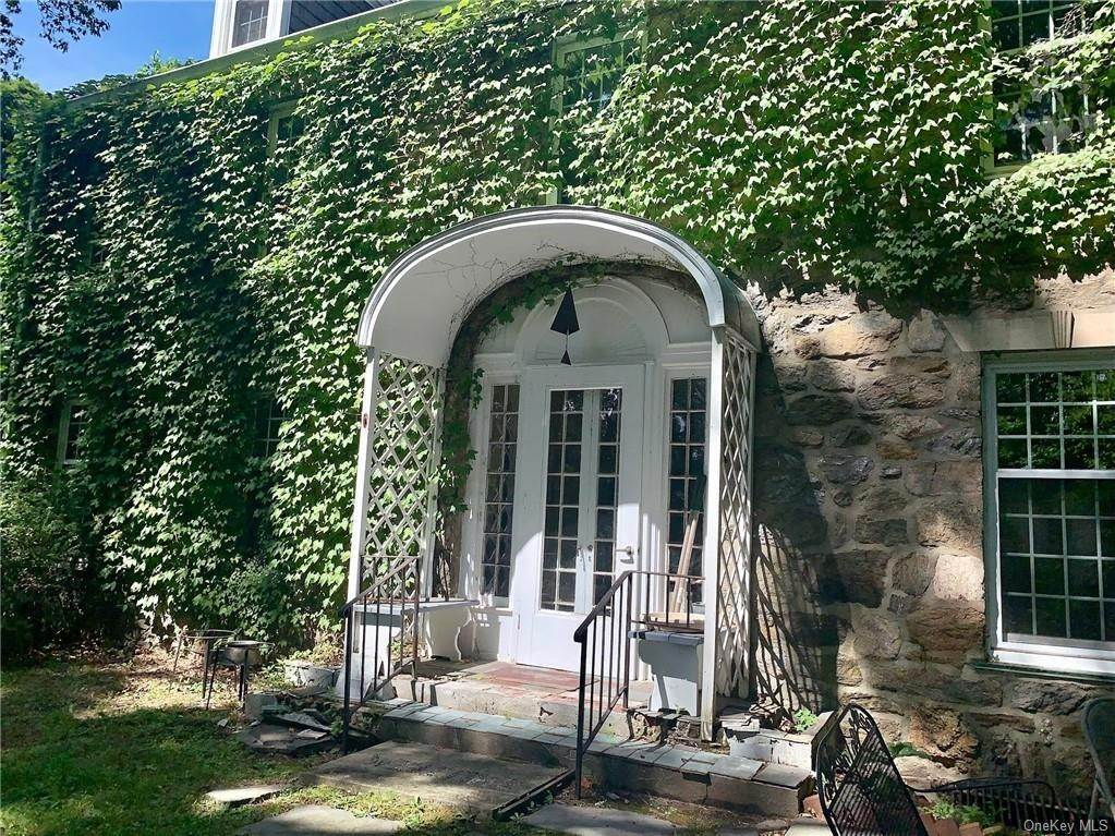 3. Single Family Home for Sale at 116 Hawkes Avenue Ossining, New York, 10562 United States
