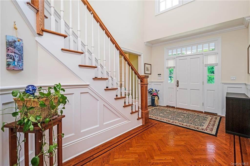 3. Single Family Home for Sale at 8 Roosevelt Place Scarsdale, New York, 10583 United States