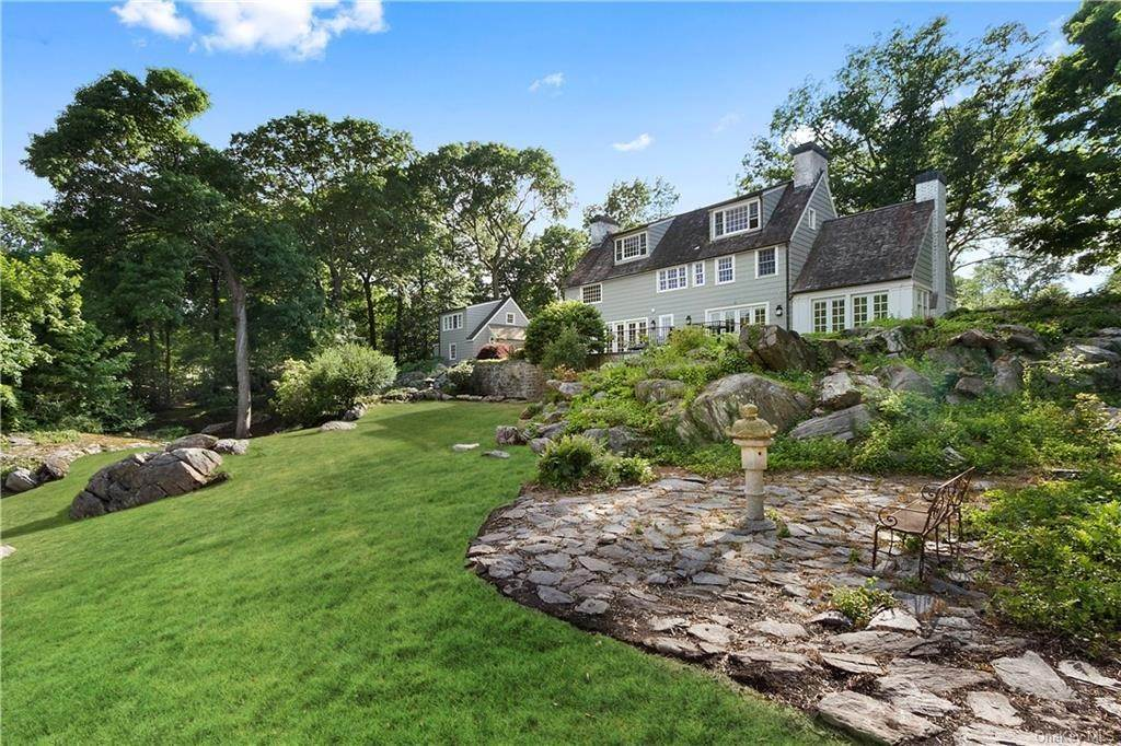 30. Single Family Home for Sale at 10 Frog Rock Road Armonk, New York, 10504 United States