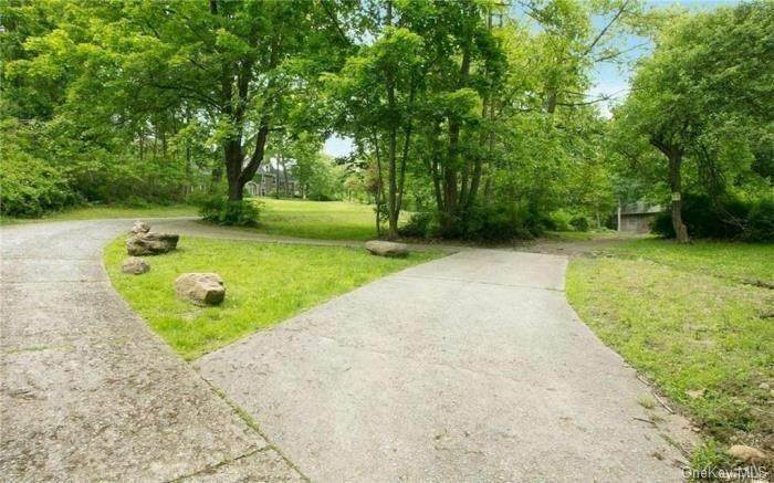 31. Single Family Home for Sale at 116 Hawkes Avenue Ossining, New York, 10562 United States