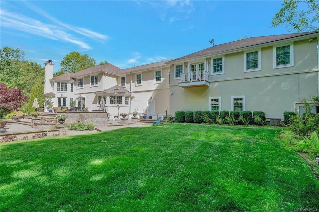 33. Single Family Home for Sale at 1115 Gambelli Drive Yorktown Heights, New York, 10598 United States