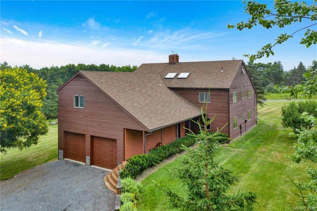 34. Single Family Home for Sale at 1 Mitts Way Campbell Hall, New York, 10916 United States