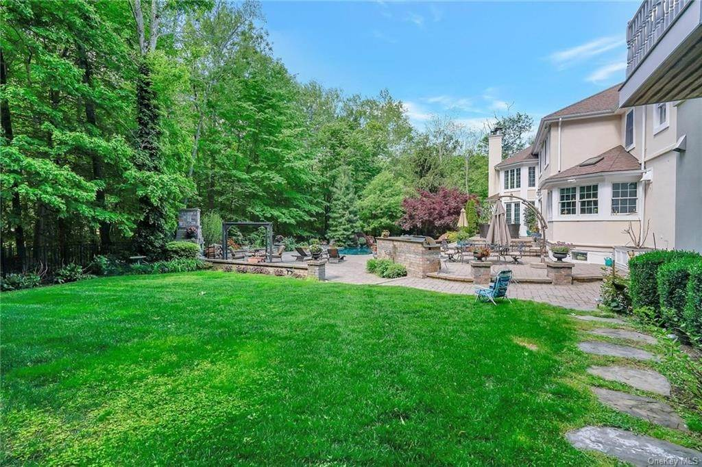 34. Single Family Home for Sale at 1115 Gambelli Drive Yorktown Heights, New York, 10598 United States