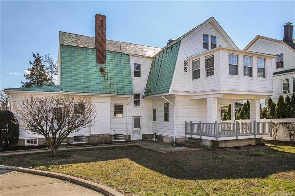 34. Single Family Home for Sale at 22 Hamilton Avenue New Rochelle, New York, 10801 United States