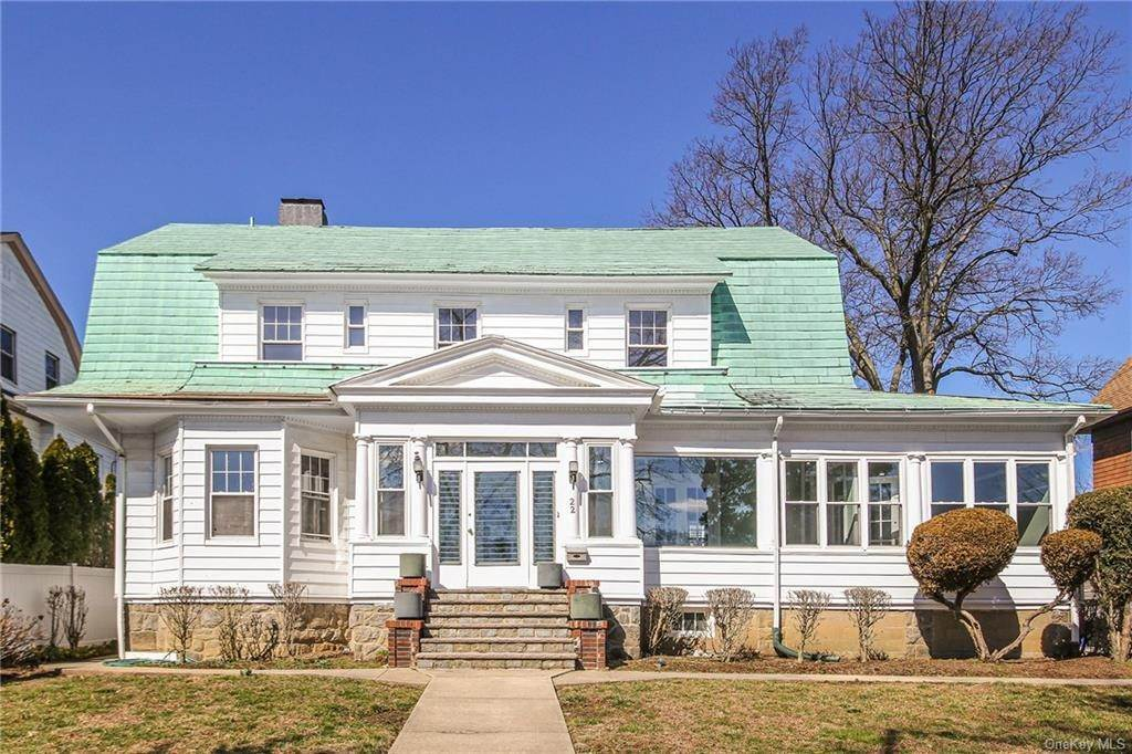 35. Single Family Home for Sale at 22 Hamilton Avenue New Rochelle, New York, 10801 United States