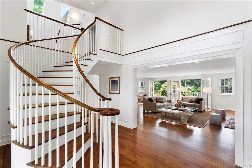 4. Single Family Home for Sale at 10 Frog Rock Road Armonk, New York, 10504 United States