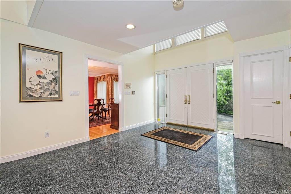 4. Single Family Home for Sale at 32 Harrows Lane Purchase, New York, 10577 United States
