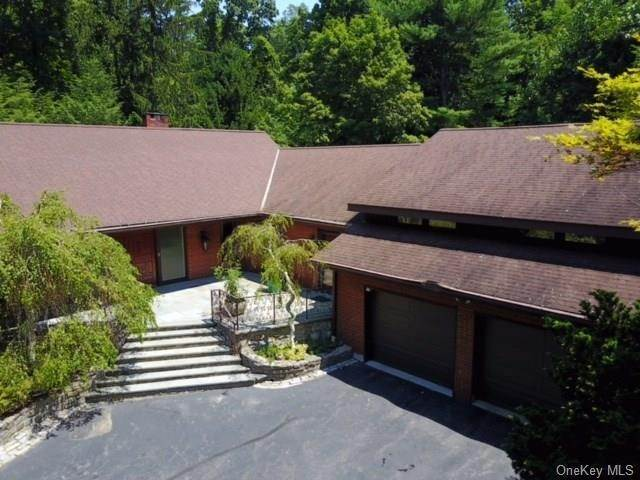 5. Single Family Home for Sale at 2 Ironwood Lane Rye, New York, 10580 United States