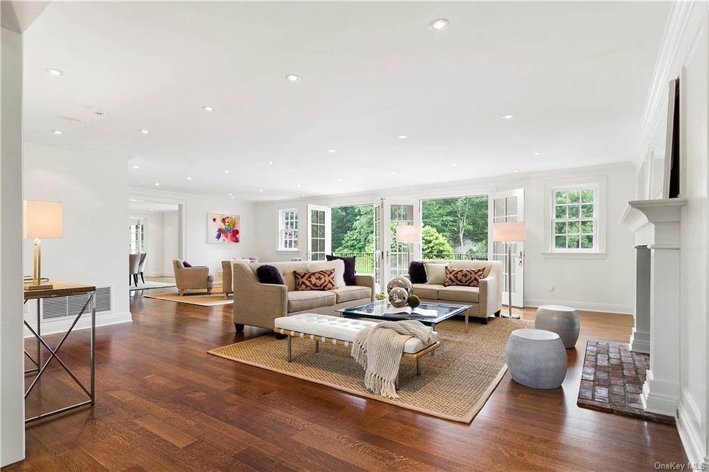 5. Single Family Home for Sale at 10 Frog Rock Road Armonk, New York, 10504 United States