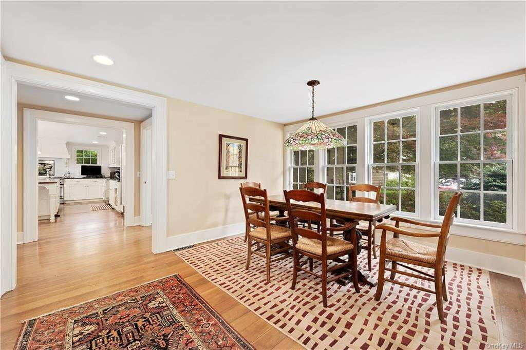 6. Single Family Home for Sale at 9 Great Hill Farms Road Bedford, New York, 10506 United States