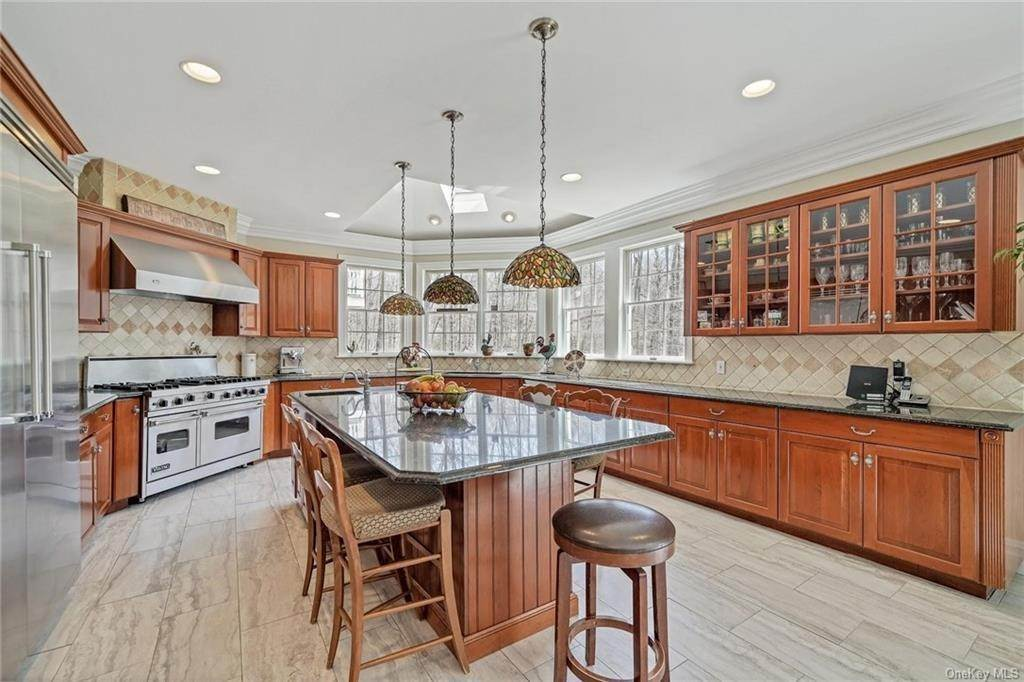 7. Single Family Home for Sale at 1115 Gambelli Drive Yorktown Heights, New York, 10598 United States