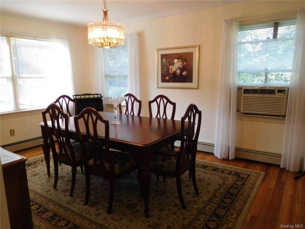 7. Single Family Home for Sale at 99 Rockledge Road Bronxville, New York, 10708 United States