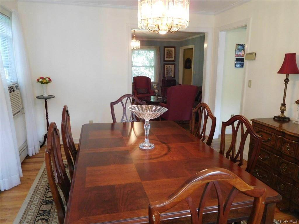 8. Single Family Home for Sale at 99 Rockledge Road Bronxville, New York, 10708 United States
