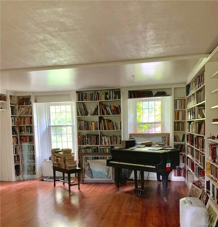 8. Single Family Home for Sale at 116 Hawkes Avenue Ossining, New York, 10562 United States