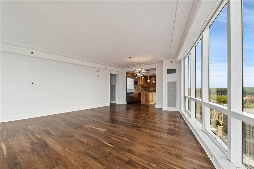 8. Single Family Home для того Продажа на 5 Renaissance Square White Plains, Нью-Йорк, 10601 Соединенные Штаты