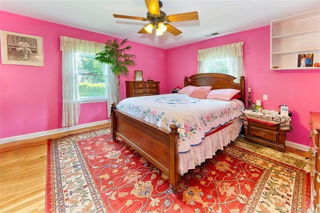 9. Single Family Home for Sale at 1 Mayfair Road Elmsford, New York, 10523 United States