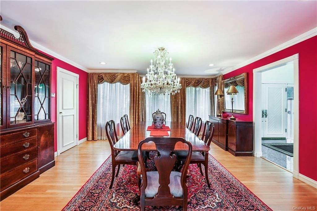 9. Single Family Home for Sale at 32 Harrows Lane Purchase, New York, 10577 United States