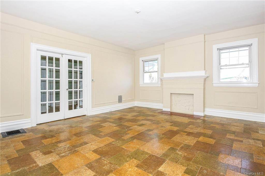 9. Single Family Home for Sale at 22 Hamilton Avenue New Rochelle, New York, 10801 United States