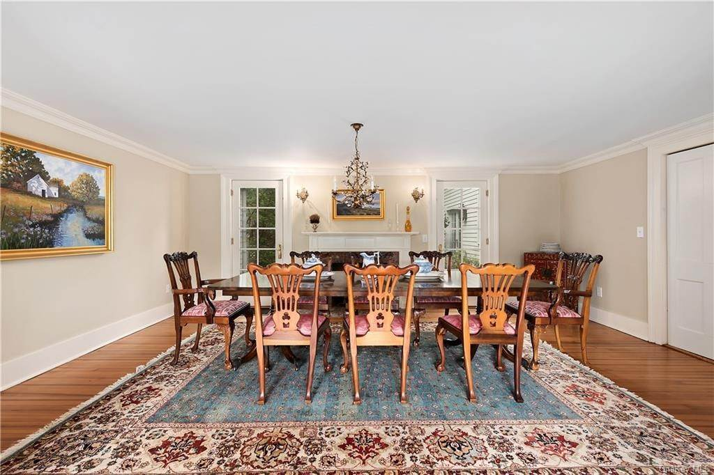 9. Single Family Home for Sale at 9 Great Hill Farms Road Bedford, New York, 10506 United States