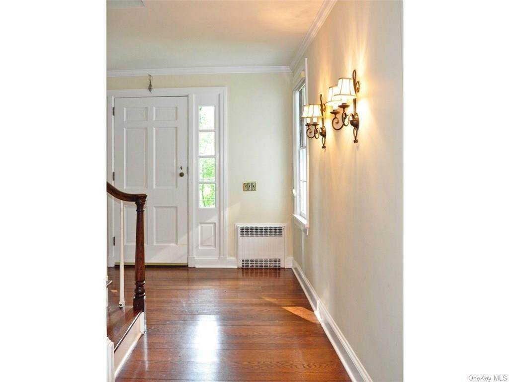 9. Single Family Home for Sale at 71 Lorillard Road Tuxedo Park, New York, 10987 United States