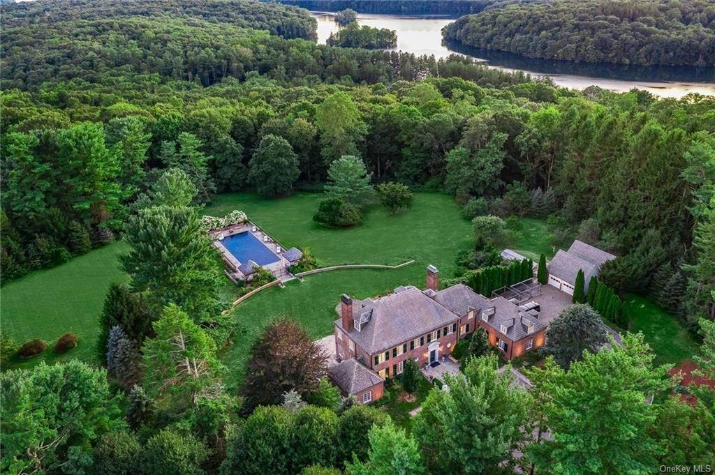Single Family Home for Sale at 9 Half Mile Road Armonk, New York, 10504 United States